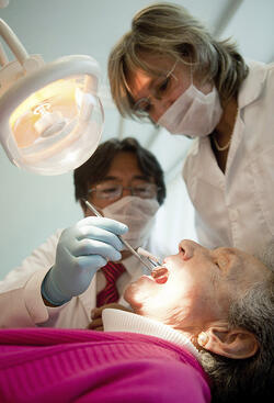 dental_hygiene_and_the_elderly